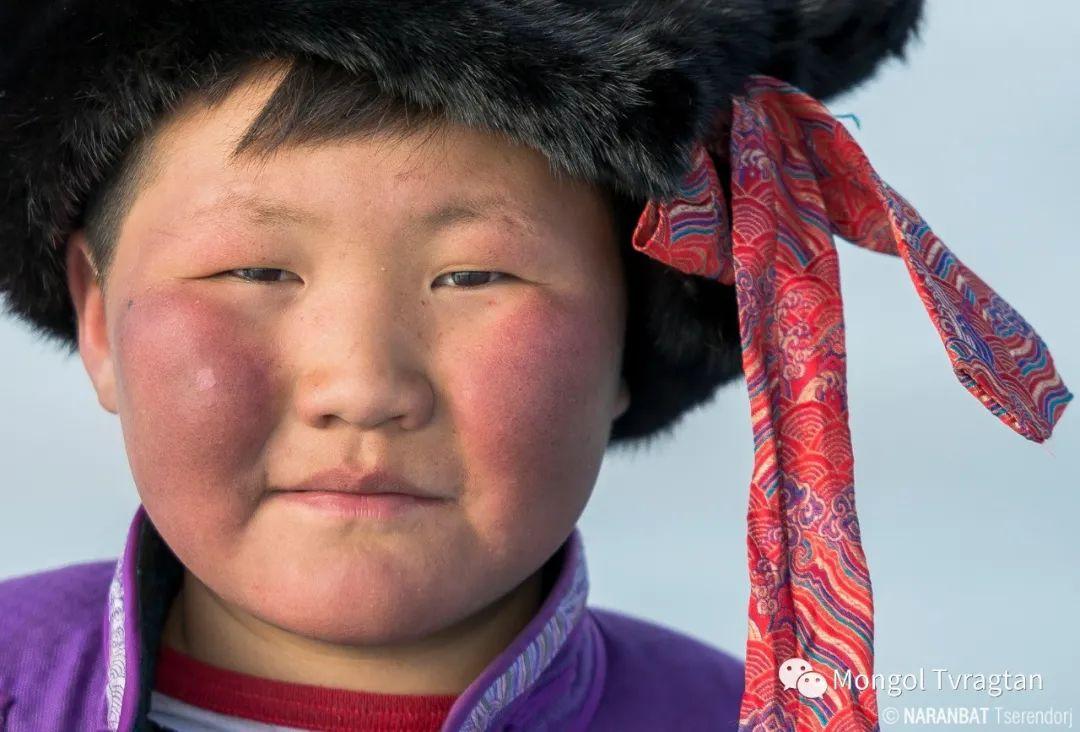 ᠮᠣᠩᠭᠤᠯ ᠰᠡᠭᠦᠳᠡᠷ- ᠴ᠂ ᠨᠠᠷᠠᠨᠪᠠᠲᠤ 第5张 ᠮᠣᠩᠭᠤᠯ ᠰᠡᠭᠦᠳᠡᠷ- ᠴ᠂ ᠨᠠᠷᠠᠨᠪᠠᠲᠤ 蒙古文化