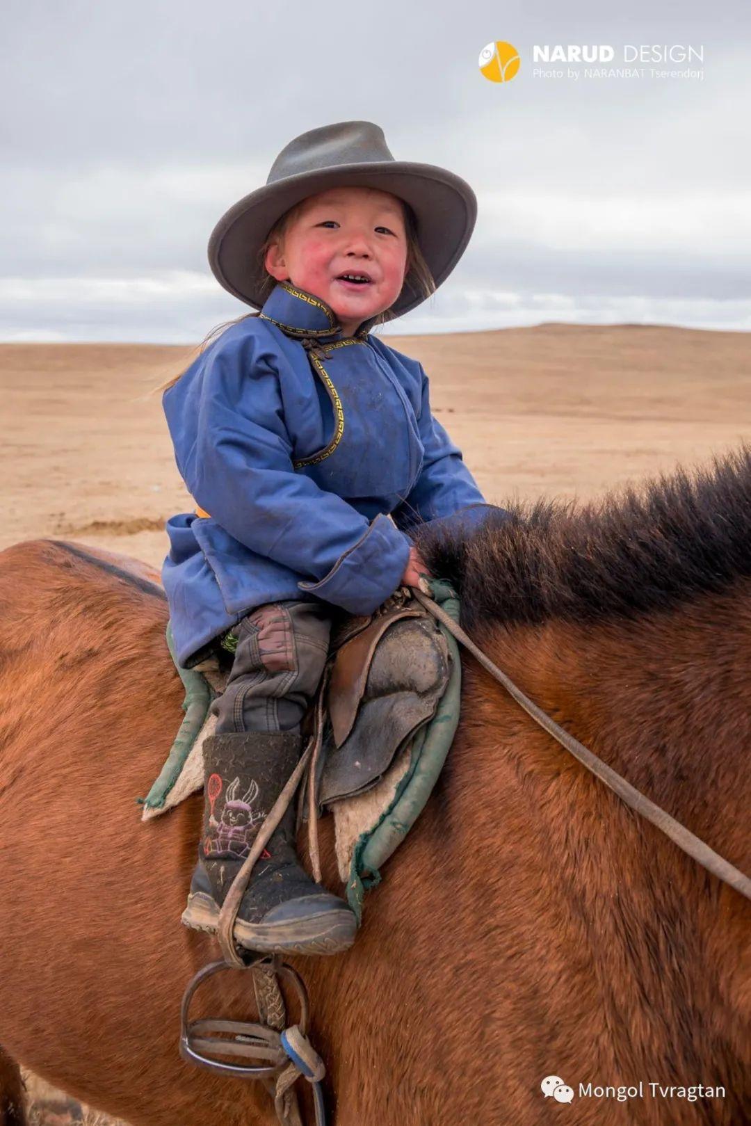 ᠮᠣᠩᠭᠤᠯ ᠰᠡᠭᠦᠳᠡᠷ- ᠴ᠂ ᠨᠠᠷᠠᠨᠪᠠᠲᠤ 第11张 ᠮᠣᠩᠭᠤᠯ ᠰᠡᠭᠦᠳᠡᠷ- ᠴ᠂ ᠨᠠᠷᠠᠨᠪᠠᠲᠤ 蒙古文化
