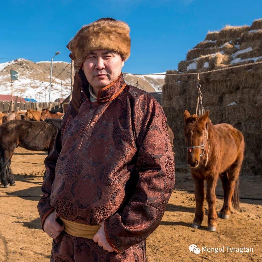 ᠮᠣᠩᠭᠤᠯ ᠰᠡᠭᠦᠳᠡᠷ- ᠴ᠂ ᠨᠠᠷᠠᠨᠪᠠᠲᠤ 第14张 ᠮᠣᠩᠭᠤᠯ ᠰᠡᠭᠦᠳᠡᠷ- ᠴ᠂ ᠨᠠᠷᠠᠨᠪᠠᠲᠤ 蒙古文化
