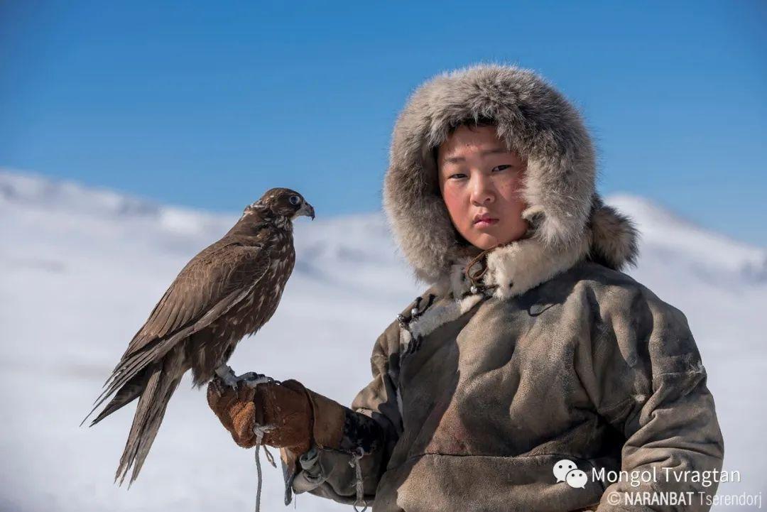 ᠮᠣᠩᠭᠤᠯ ᠰᠡᠭᠦᠳᠡᠷ- ᠴ᠂ ᠨᠠᠷᠠᠨᠪᠠᠲᠤ 第17张 ᠮᠣᠩᠭᠤᠯ ᠰᠡᠭᠦᠳᠡᠷ- ᠴ᠂ ᠨᠠᠷᠠᠨᠪᠠᠲᠤ 蒙古文化