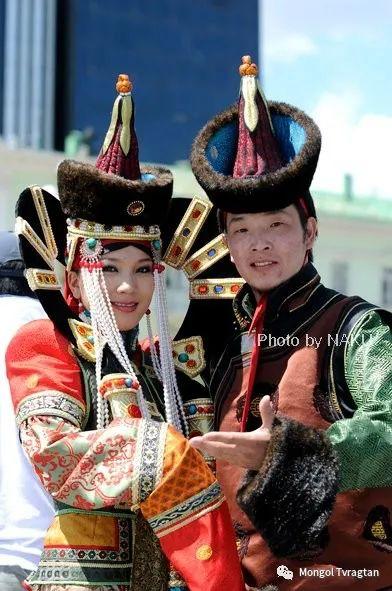 ᠮᠣᠩᠭᠤᠯ ᠰᠡᠭᠦᠳᠡᠷ- ᠴ᠂ ᠨᠠᠷᠠᠨᠪᠠᠲᠤ 第26张 ᠮᠣᠩᠭᠤᠯ ᠰᠡᠭᠦᠳᠡᠷ- ᠴ᠂ ᠨᠠᠷᠠᠨᠪᠠᠲᠤ 蒙古文化