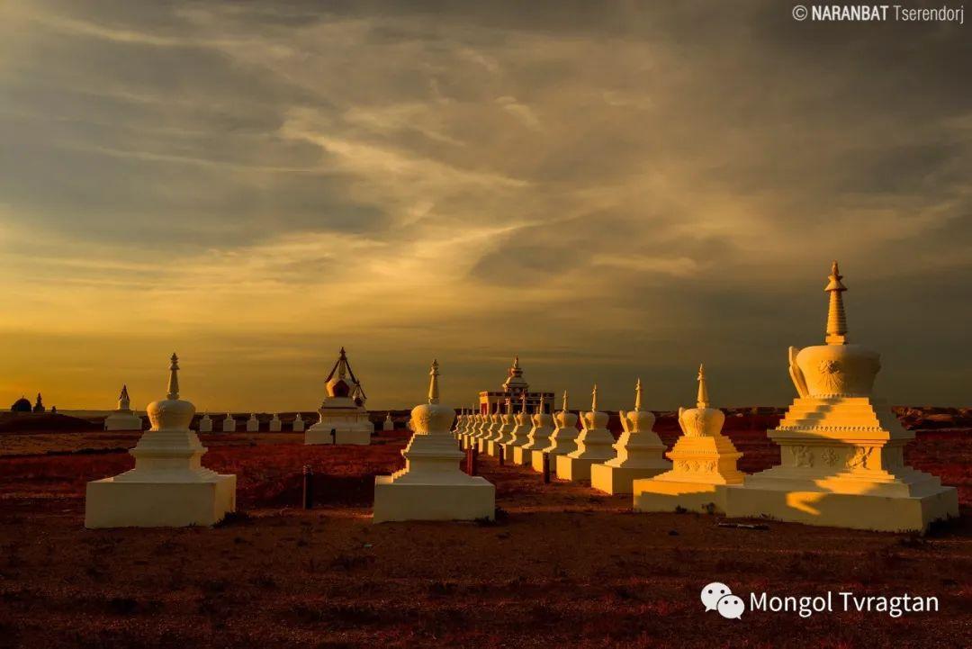 ᠮᠣᠩᠭᠤᠯ ᠰᠡᠭᠦᠳᠡᠷ- ᠴ᠂ ᠨᠠᠷᠠᠨᠪᠠᠲᠤ 第38张 ᠮᠣᠩᠭᠤᠯ ᠰᠡᠭᠦᠳᠡᠷ- ᠴ᠂ ᠨᠠᠷᠠᠨᠪᠠᠲᠤ 蒙古文化