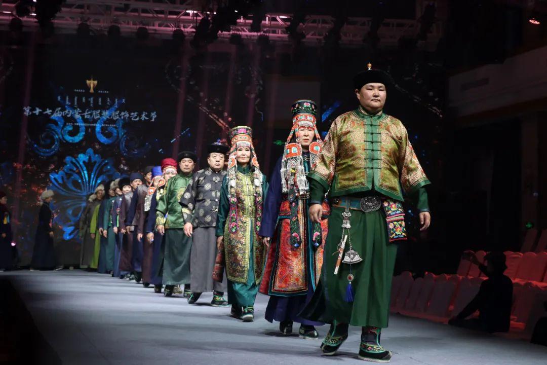 2020蒙古族服装服饰设计大赛 ᠮᠣᠩᠭᠤᠯ ᠦᠨᠳᠦᠰᠦᠲᠡᠨᠦ᠌ ᠬᠤᠪᠴᠠᠰᠤ ᠵᠠᠰᠠᠯᠤ᠋ᠨ ᠤᠷᠤᠯᠳᠤᠭᠠᠨ 第4张 2020蒙古族服装服饰设计大赛 ᠮᠣᠩᠭᠤᠯ ᠦᠨᠳᠦᠰᠦᠲᠡᠨᠦ᠌ ᠬᠤᠪᠴᠠᠰᠤ ᠵᠠᠰᠠᠯᠤ᠋ᠨ ᠤᠷᠤᠯᠳᠤᠭᠠᠨ 蒙古服饰