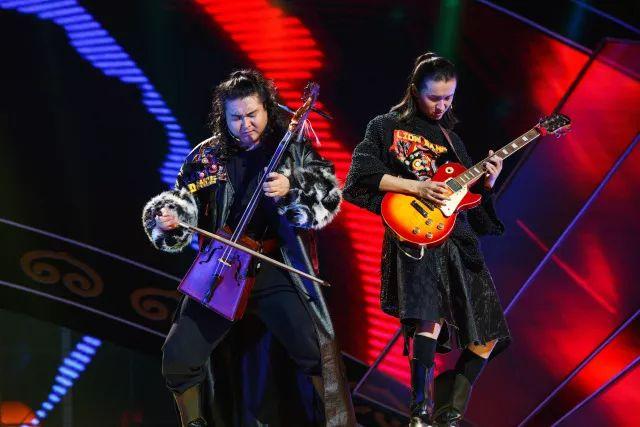 蒙古族才子 用八种乐器逆天的演奏 !! 第1张 蒙古族才子 用八种乐器逆天的演奏 !! 蒙古文化