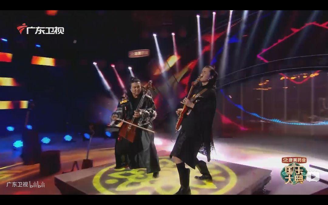 蒙古族才子 用八种乐器逆天的演奏 !! 第11张 蒙古族才子 用八种乐器逆天的演奏 !! 蒙古文化