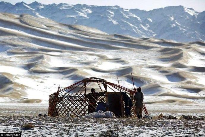 保加利亚摄影师镜头下的蒙古游牧生活 ... 第4张 保加利亚摄影师镜头下的蒙古游牧生活 ... 蒙古文化