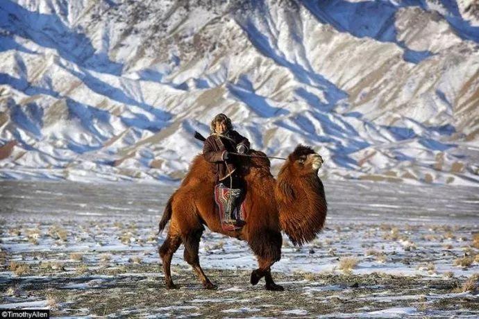 保加利亚摄影师镜头下的蒙古游牧生活 ... 第7张 保加利亚摄影师镜头下的蒙古游牧生活 ... 蒙古文化