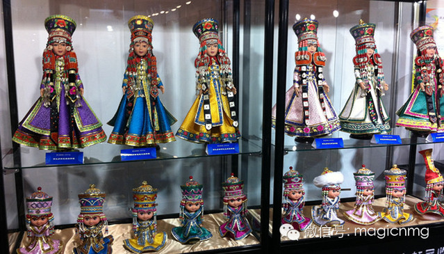 """蒙古族新娘""""芭比娃娃"""""""