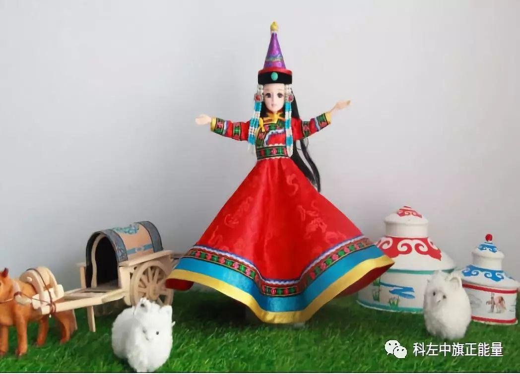 """科左中旗协代苏木""""小""""手工娃娃带来""""大""""收益"""