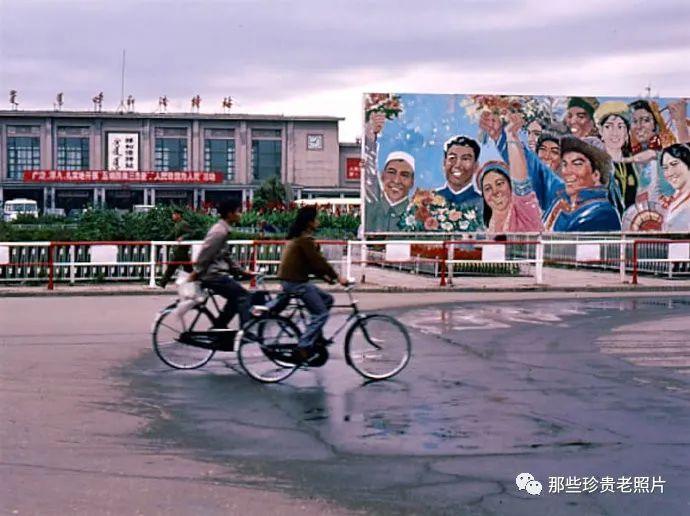 一组1983年拍摄的内蒙古呼和浩特老照片,几代人共同的记忆 第4张
