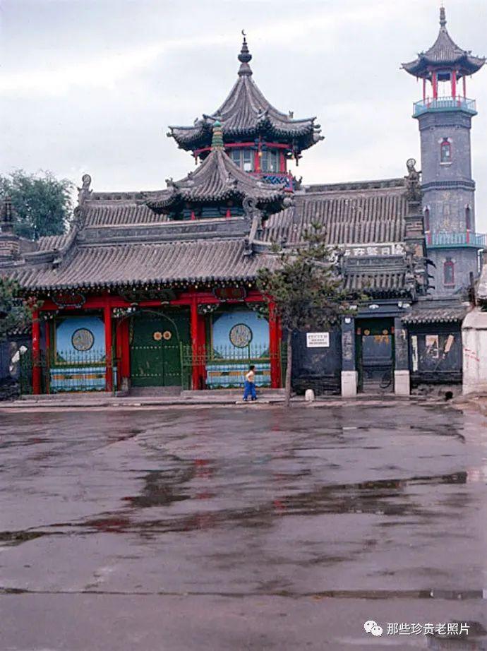 一组1983年拍摄的内蒙古呼和浩特老照片,几代人共同的记忆 第6张