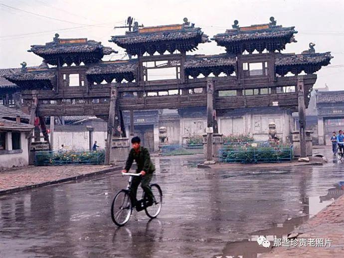 一组1983年拍摄的内蒙古呼和浩特老照片,几代人共同的记忆 第9张