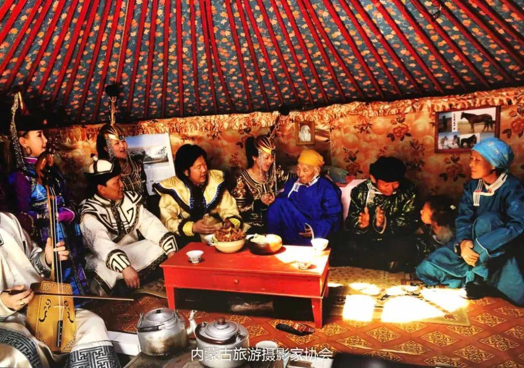 庆祝改革开放40周年 内蒙古美术、书法、摄影作品展开幕 第33张