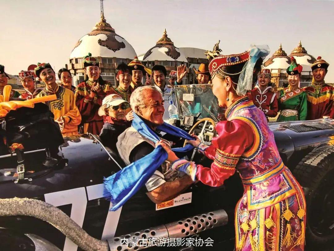 庆祝改革开放40周年 内蒙古美术、书法、摄影作品展开幕 第34张