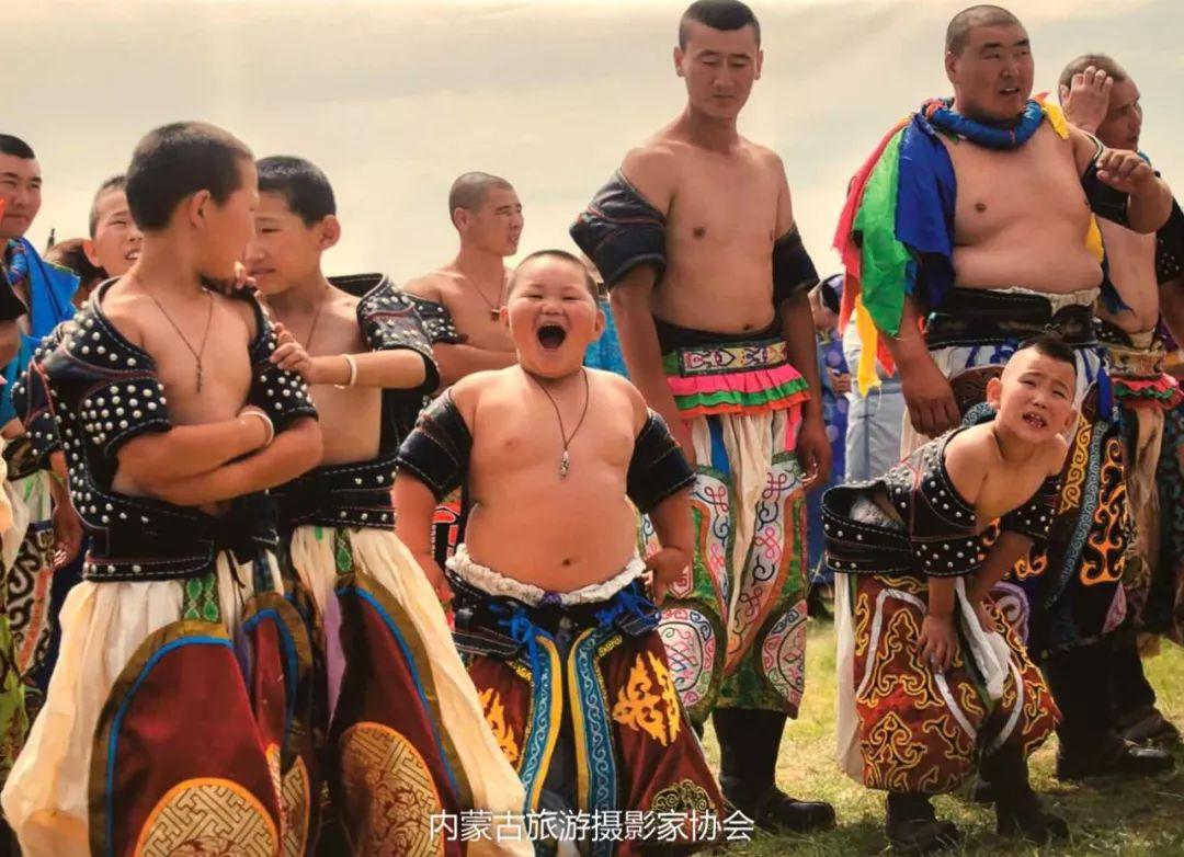 庆祝改革开放40周年 内蒙古美术、书法、摄影作品展开幕 第39张