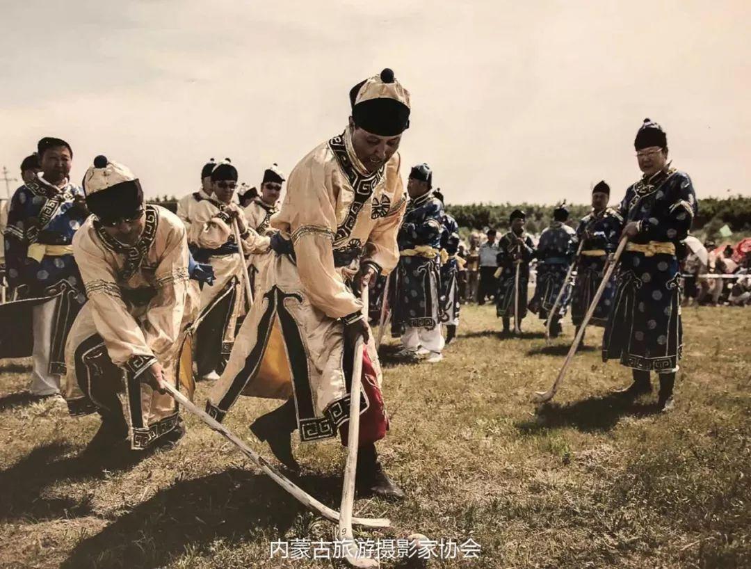 庆祝改革开放40周年 内蒙古美术、书法、摄影作品展开幕 第40张