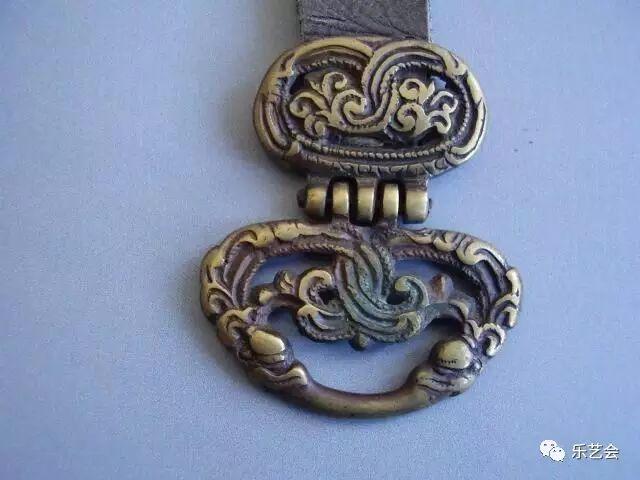 草原瑰宝刀剑:蒙古族图海中的藏传佛教元素 第8张