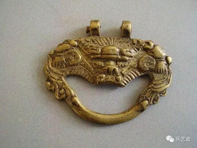草原瑰宝刀剑:蒙古族图海中的藏传佛教元素 第15张