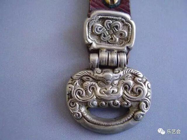 草原瑰宝刀剑:蒙古族图海中的藏传佛教元素 第19张