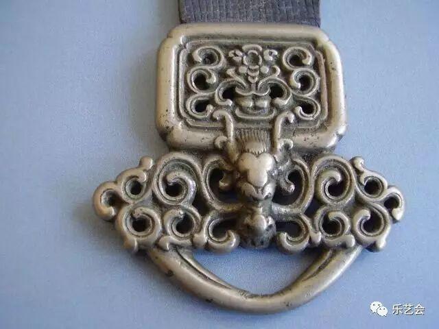 草原瑰宝刀剑:蒙古族图海中的藏传佛教元素 第37张