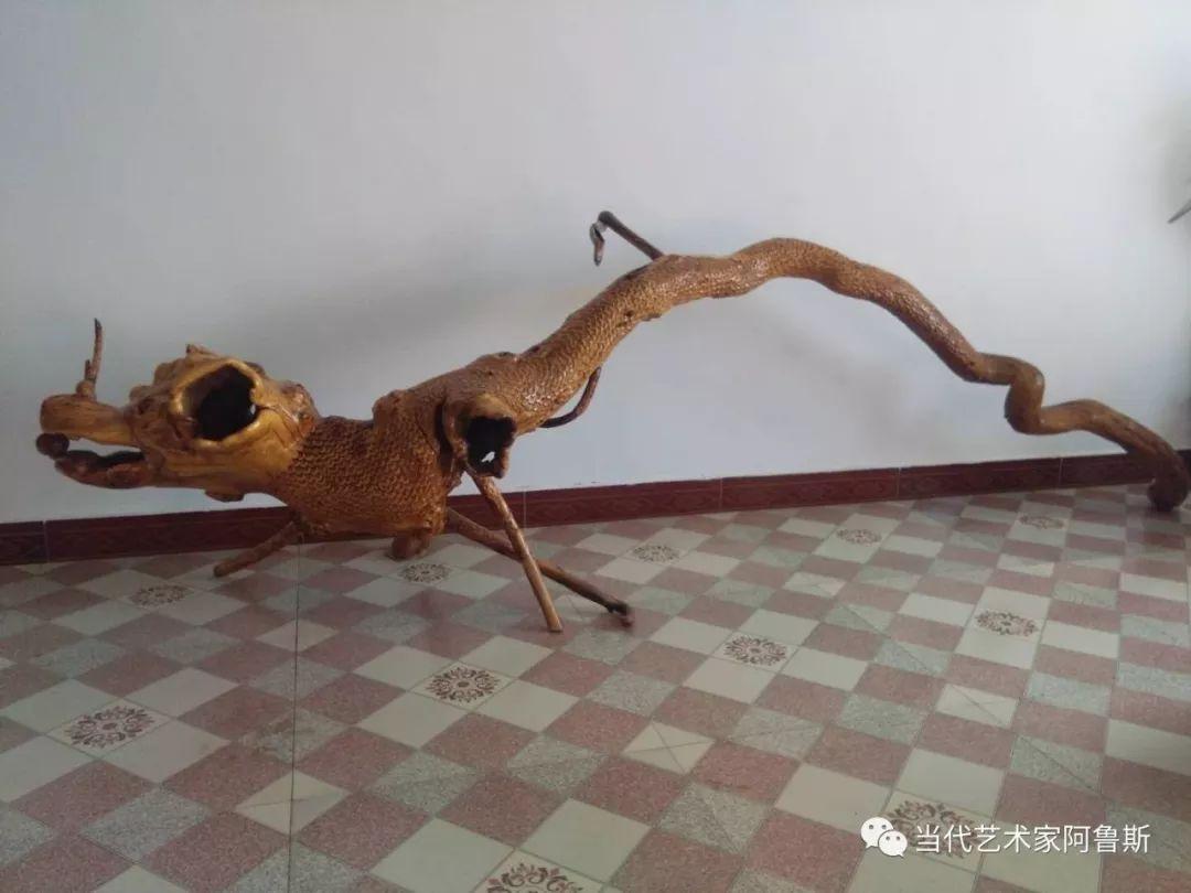 锡林郭勒草原民间艺人阿拉腾敖都的根雕艺术作品欣赏 第3张
