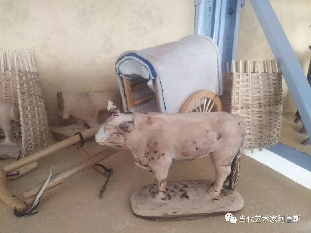 锡林郭勒草原民间艺人阿拉腾敖都的根雕艺术作品欣赏 第13张