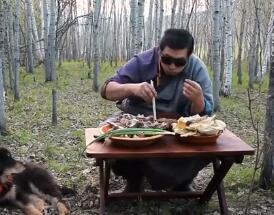 可汗厨房最新一期:羊肋骨蒸饺